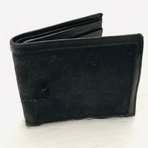 Authentic Gucci Signature Black Logo Wallet